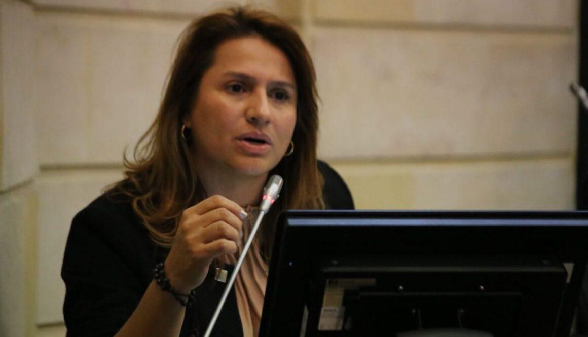 Paola en Plenaria
