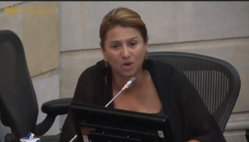 Paola Holguin 1