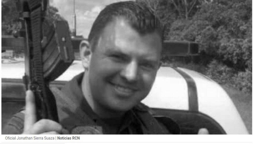 policía Jonathan Smith Sierra Suaza